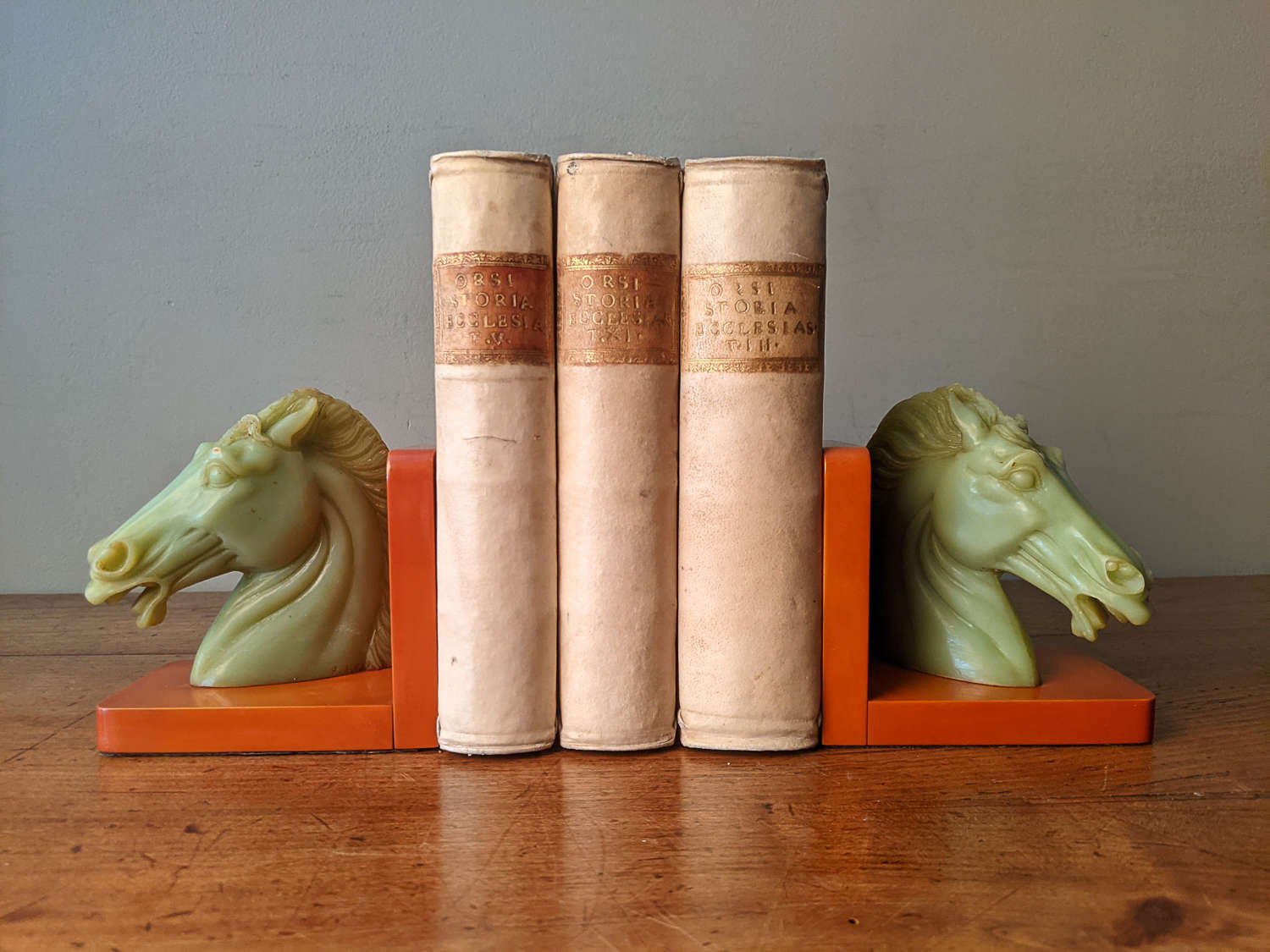 C1930 A RARE Pair of Red & Green Bakelite Bookends