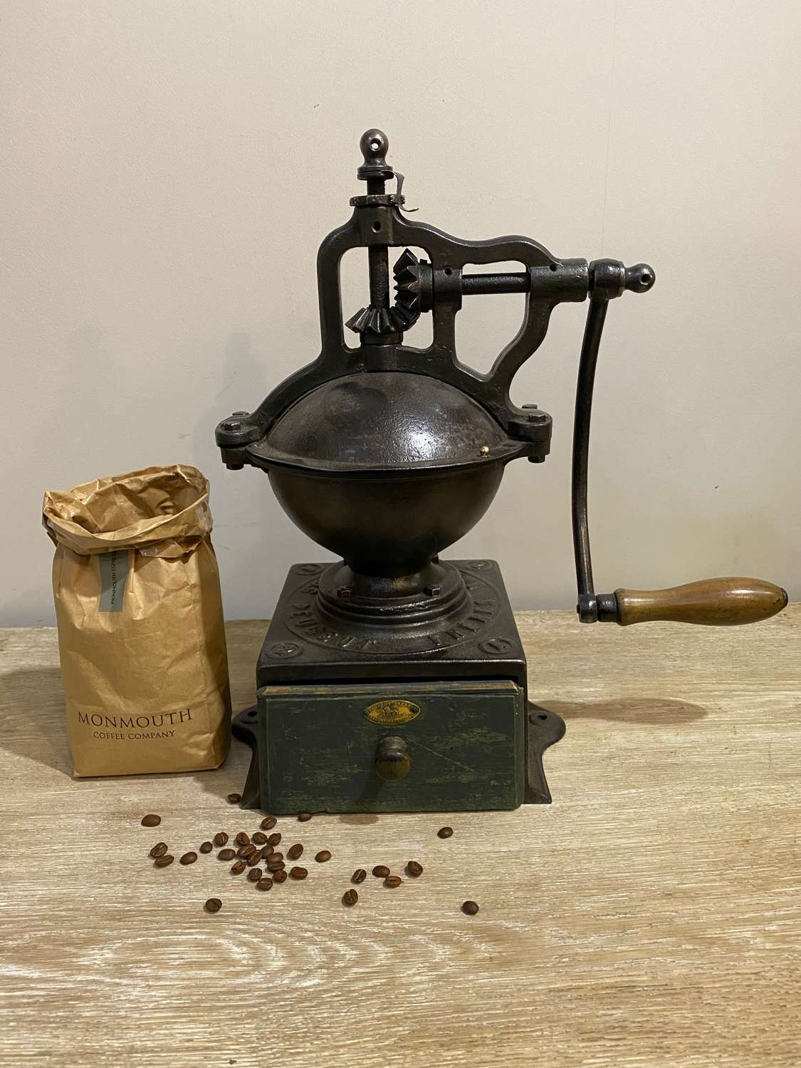 C1900 A Large Shop Counter Coffee Grinder